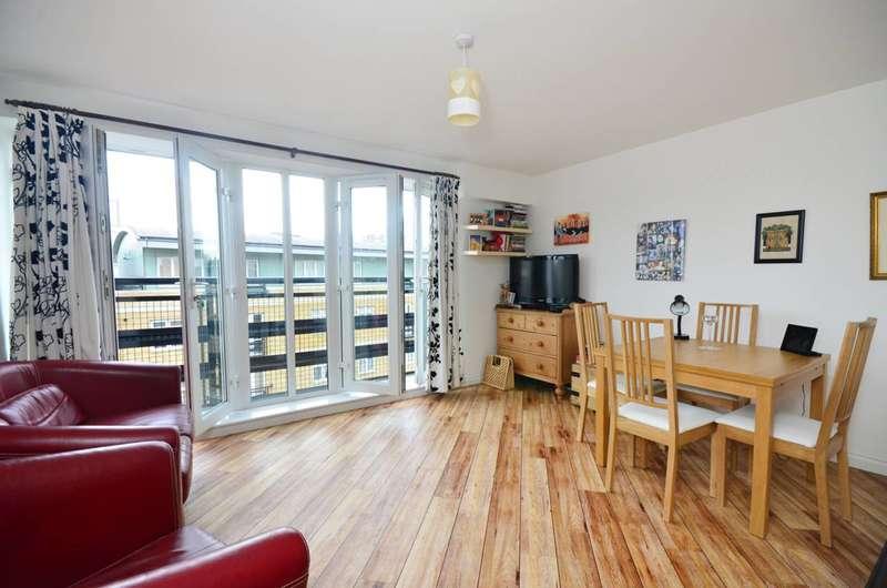 1 Bedroom Flat for sale in Locksons Close, Poplar, E14