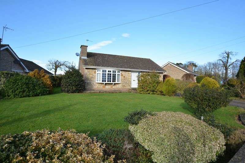 3 Bedrooms Detached Bungalow for sale in Hall Lane, Fiskerton, Lincoln