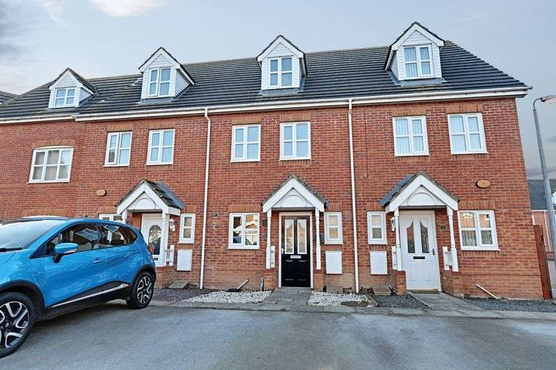 3 Bedrooms Terraced House for sale in Heatherwood Court, Hull