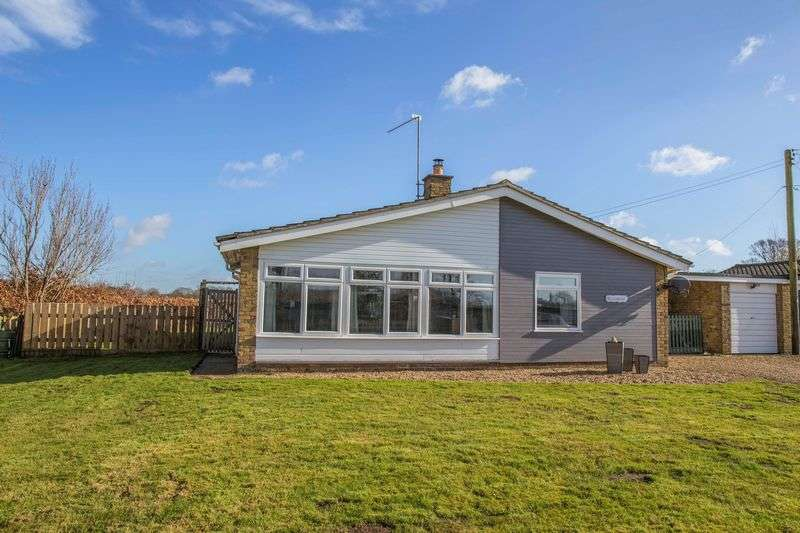 4 Bedrooms Detached Bungalow for sale in The Street, Great Livermere