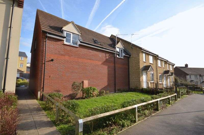 2 Bedrooms Semi Detached House for sale in Fontmell Close, Swindon