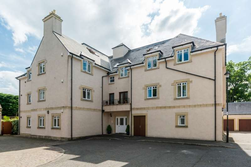 3 Bedrooms Ground Flat for sale in Cargilfield View, Cramond, Edinburgh, EH4 6SY