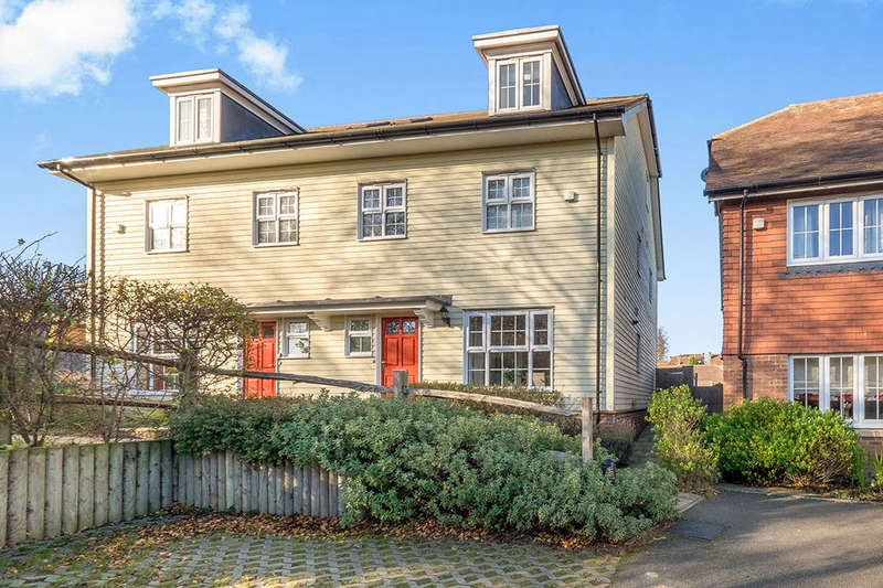 3 Bedrooms Semi Detached House for sale in Nethermount, Bearsted, Maidstone, ME14