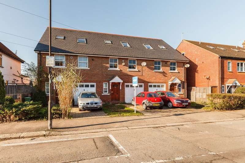 4 Bedrooms Terraced House for sale in Seaforth Avenue, Motspur Park, KT3 6JT