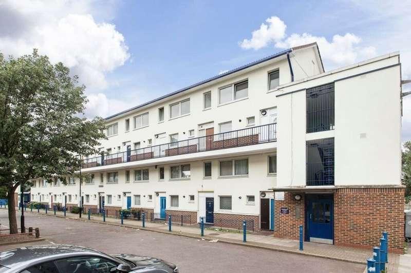 3 Bedrooms Flat for sale in Sanderling Court Abinger Grove, Deptford, London, SE8
