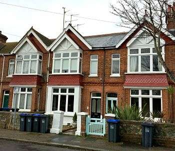 2 Bedrooms Flat for sale in Ashgrove, Worthing, West Sussex, BN11