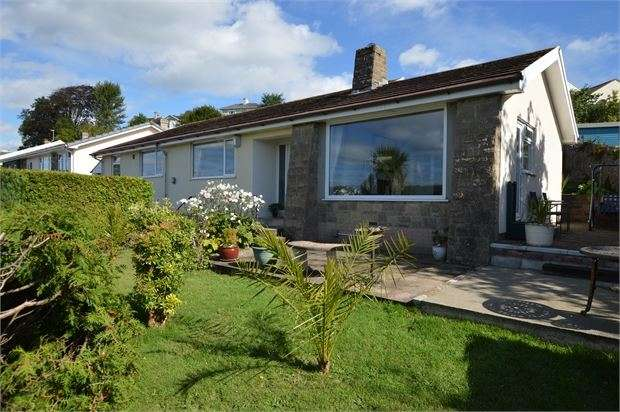 4 Bedrooms Detached Bungalow for sale in Southey Lane, Kingskerswell, Newton Abbot, Devon. TQ12 5JF