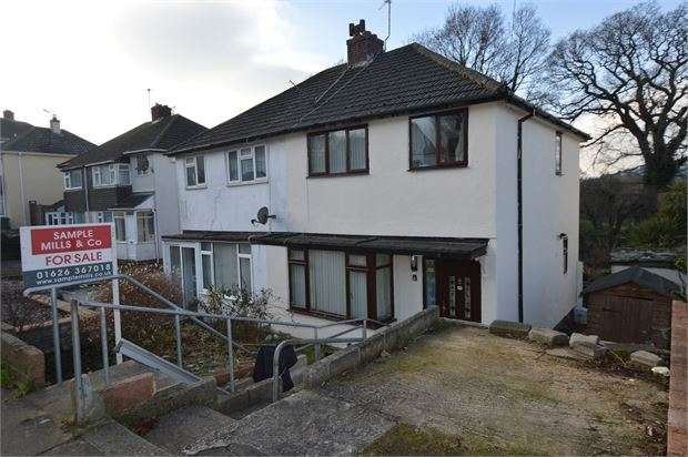 3 Bedrooms Semi Detached House for sale in Sandringham Road, Buckland, Newton Abbot, Devon. TQ12 4HB