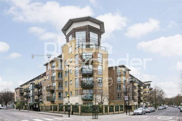 2 Bedrooms Flat for sale in Aston Court, Queens Drive, Finsbury Park, N4
