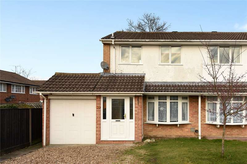 3 Bedrooms Semi Detached House for sale in Birkbeck Place, Owlsmoor, Sandhurst, Berkshire, GU47