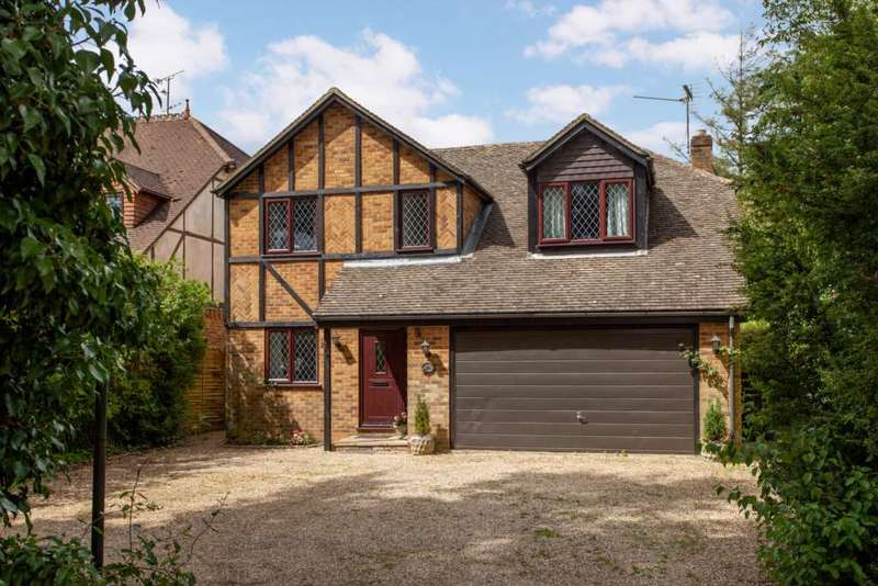 4 Bedrooms Detached House for sale in Shepherds Lane, Caversham Heights