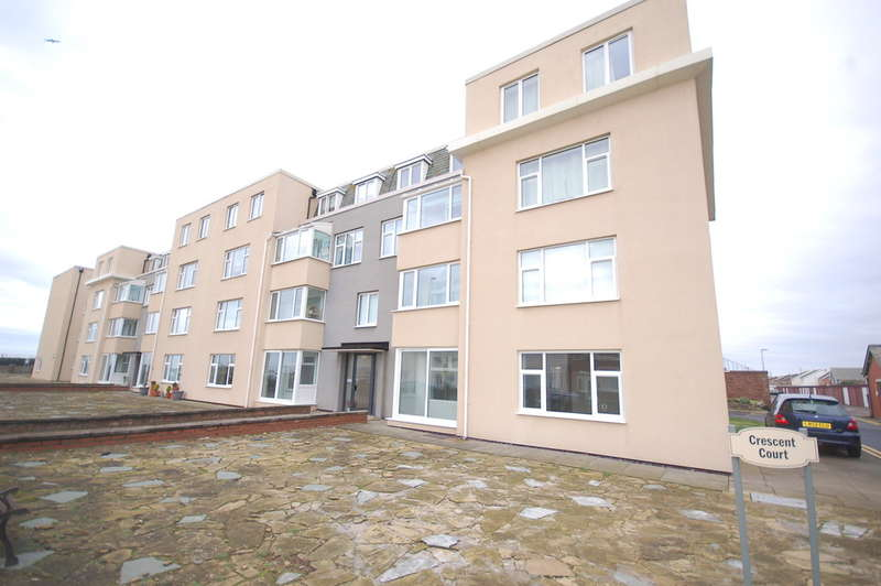 2 Bedrooms Flat for sale in Promenade, Blackpool