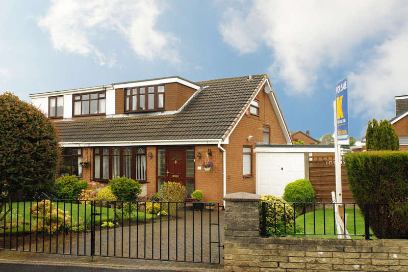 2 Bedrooms Semi Detached Bungalow for sale in 30 Chichester Crescent, Chadderton, Oldham
