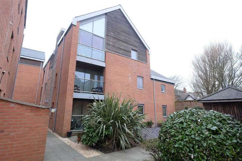 2 Bedrooms Property for sale in Fairlawn Road, Lytham