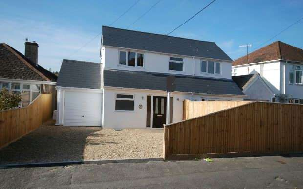 4 Bedrooms Detached House for sale in Laverstock