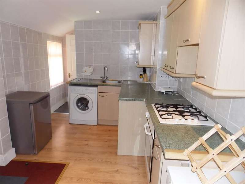 2 Bedrooms Flat for sale in Normanby Road, South Bank, Middlesbrough, TS6 6RY