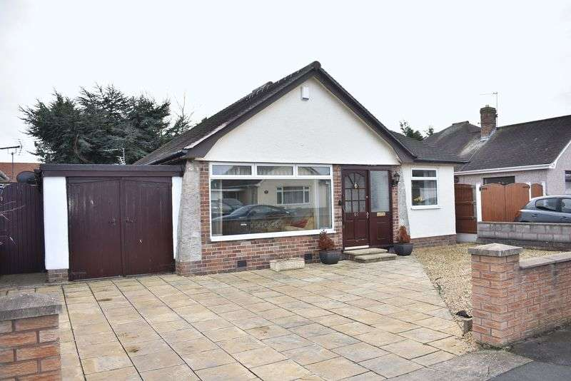 3 Bedrooms Property for sale in Highlands Road, Rhuddlan