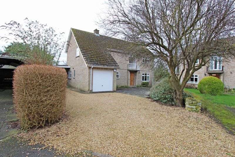 4 Bedrooms Detached House for sale in Hill Side Close, Ufford