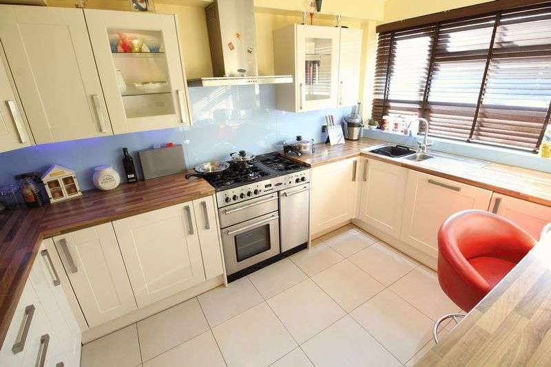 2 Bedrooms Terraced House for sale in King Edward Road, New Barnet