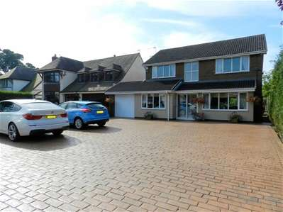 4 Bedrooms Detached House for sale in Stoney Lane, Wallington Heath, Walsall