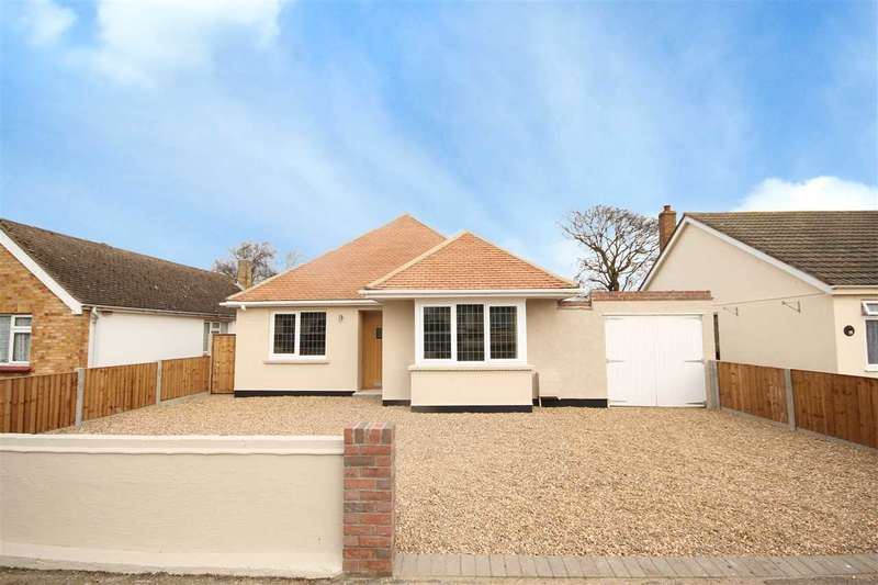 2 Bedrooms Bungalow for sale in Hucklesbury Avenue, Holland-On-Sea