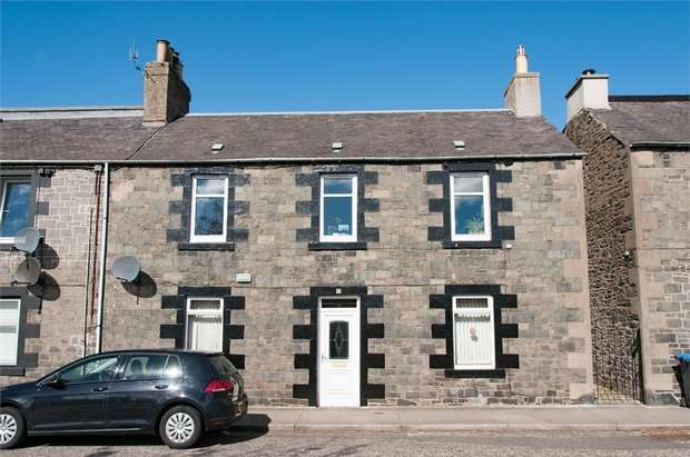 3 Bedrooms Semi Detached House for sale in Hall Street, Galashiels, Scottish Borders