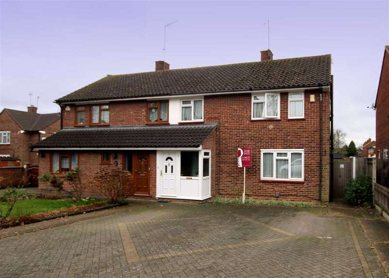 3 Bedrooms House for sale in Robin Hood Drive, North Bushey, WD23.