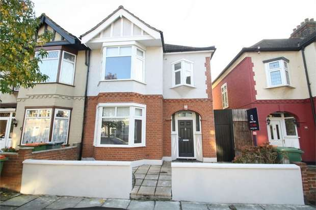 3 Bedrooms End Of Terrace House for sale in Eustace Road, East Ham