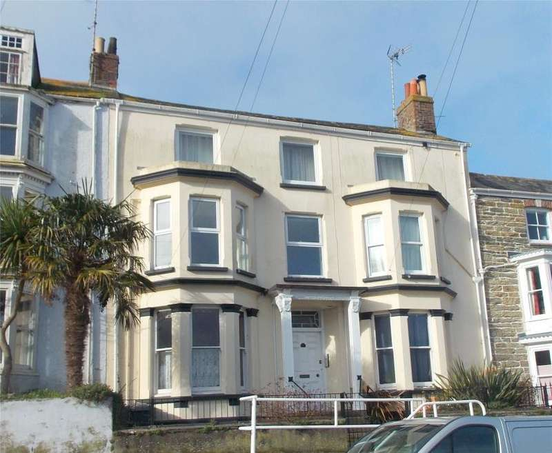 2 Bedrooms Flat for sale in Dunstanville Terrace, Falmouth, Cornwall