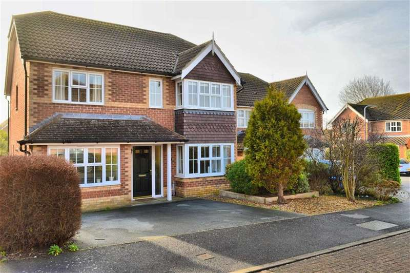 5 Bedrooms Property for sale in Micklefield Way, Seaford, East Sussex