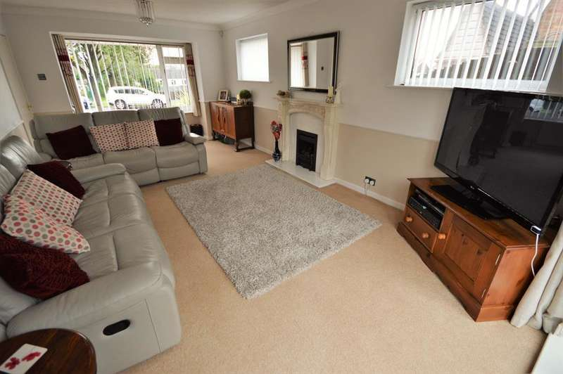 4 Bedrooms Detached House for sale in Kelmarsh Avenue, Wigston, LE18 3QW