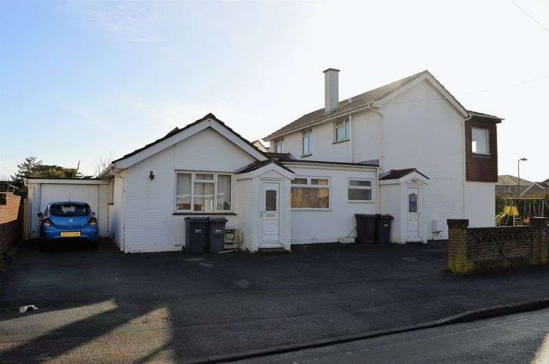 5 Bedrooms Detached House for sale in Eastoke Avenue, Hayling Island