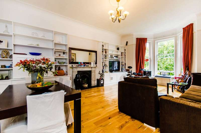 3 Bedrooms Flat for sale in Kidbrooke Park Road, Blackheath, SE3