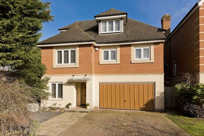 4 Bedrooms Detached House for sale in Steeple Point, Ascot