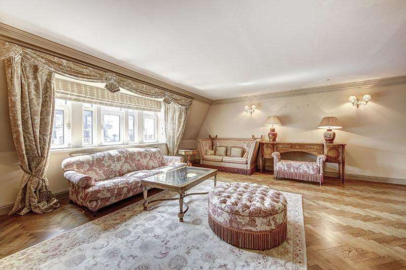 3 Bedrooms Penthouse Flat for sale in Pall Mall, London SW1Y