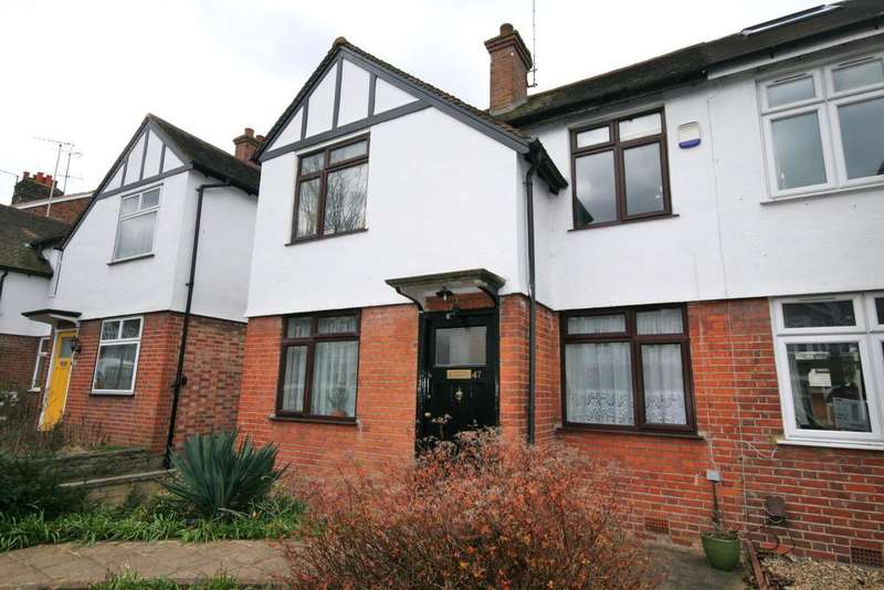 3 Bedrooms Semi Detached House for sale in Bellevue Road, Ealing W13
