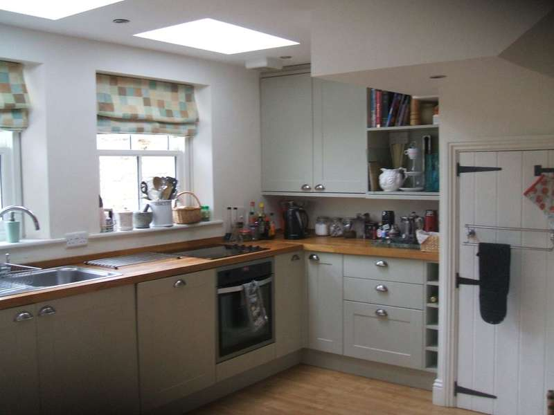 3 Bedrooms Town House for rent in Brandling Place South, Jesmond, Newcastle upon Tyne NE2