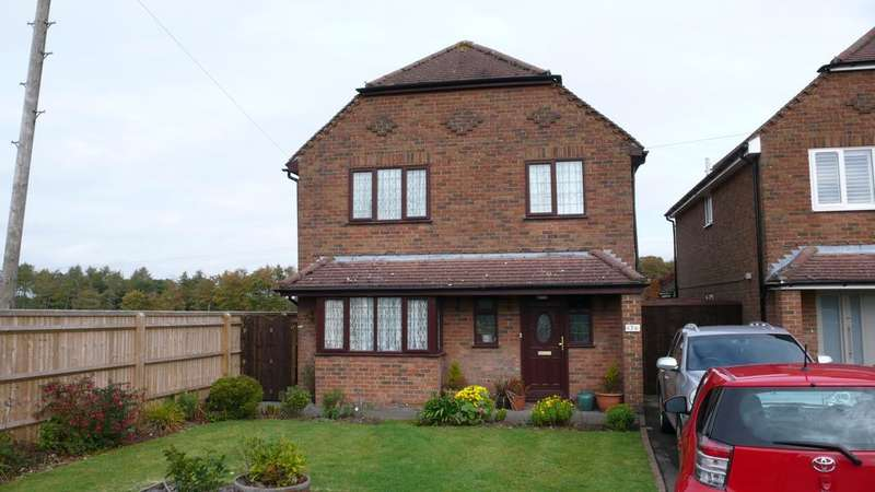 4 Bedrooms Detached House for sale in Penn Road, Hazlemere HP15
