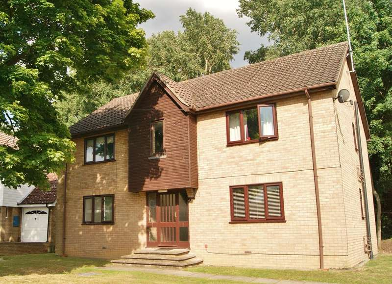 1 Bedroom Ground Flat for sale in Riverside Court, Bell Meadow, Bury St Edmunds IP32