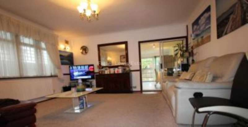 4 Bedrooms Semi Detached House for sale in Hounslow, TW4 7AA