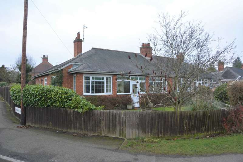 2 Bedrooms Semi Detached Bungalow for sale in Hillmorton Road, Hillmorton