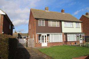 3 Bedrooms Semi Detached House for sale in Whitegates Avenue, West Kingsdown, Sevenoaks, Kent