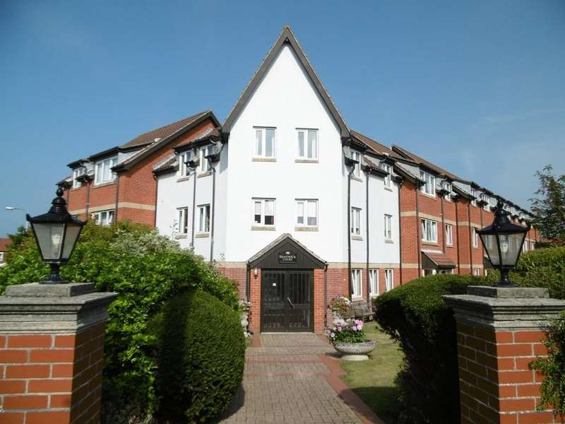 2 Bedrooms Flat for sale in Sheringham
