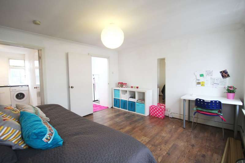 Apartment Flat for sale in Caledonian Road, London, N1