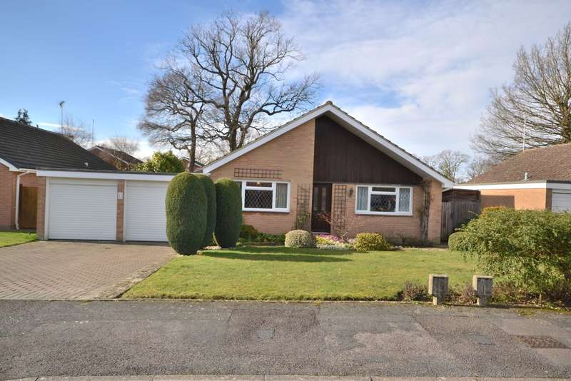 3 Bedrooms Detached Bungalow for sale in Horsell