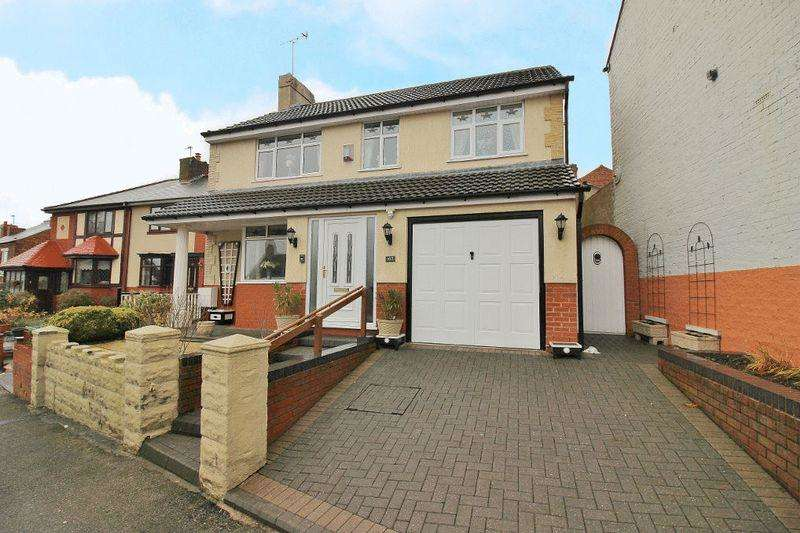 3 Bedrooms Detached House for sale in Vicarage Road, Wednesbury