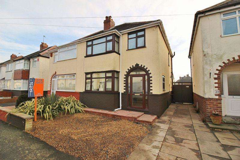 3 Bedrooms Semi Detached House for sale in Collins Road, Wednesbury