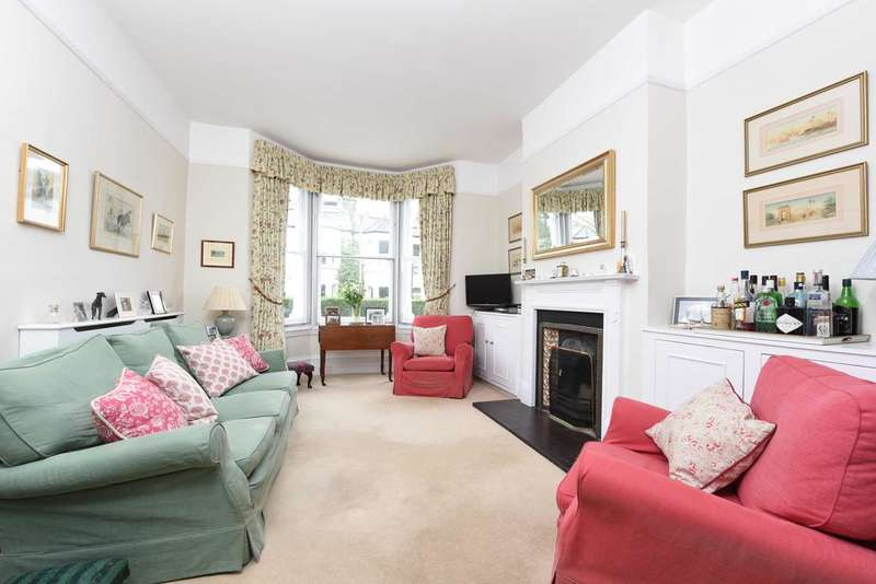 5 Bedrooms Terraced House for sale in Bassingham Road, Earlsfield, London SW18