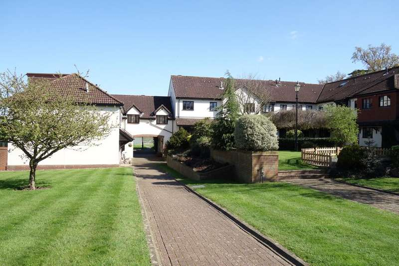 2 Bedrooms Cottage House for sale in Firs Wood Close, Northaw EN6