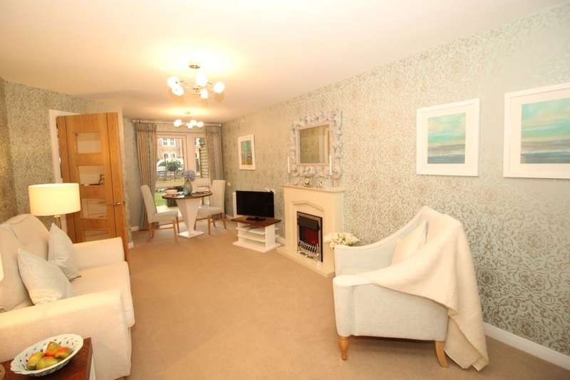 1 Bedroom Flat for sale in Broadfield Court, Park View Road, Prestwich, M25